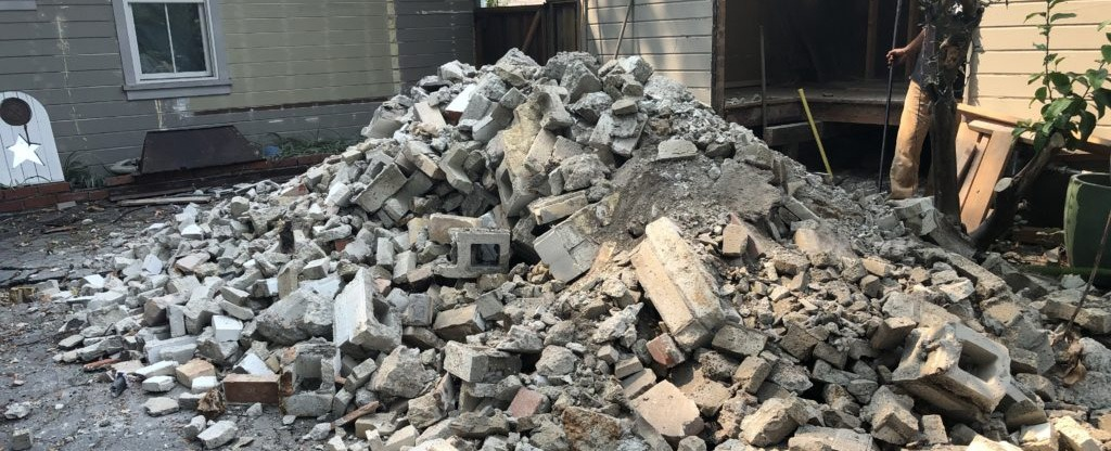 Construction Debris Removal Brentwood CA